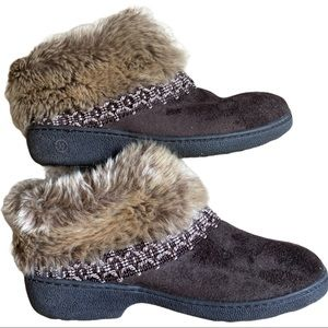 Isotoner size 6.5-7 booties brown with faux fur